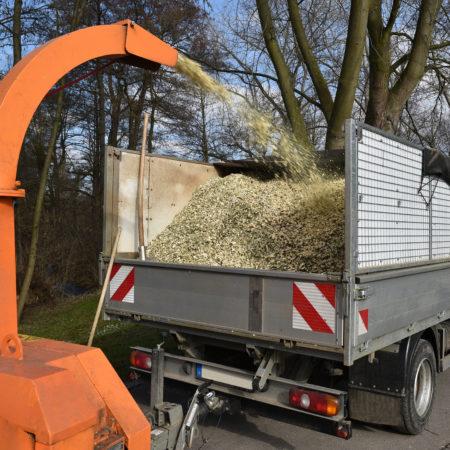 camion et broyeuse evacuation bois